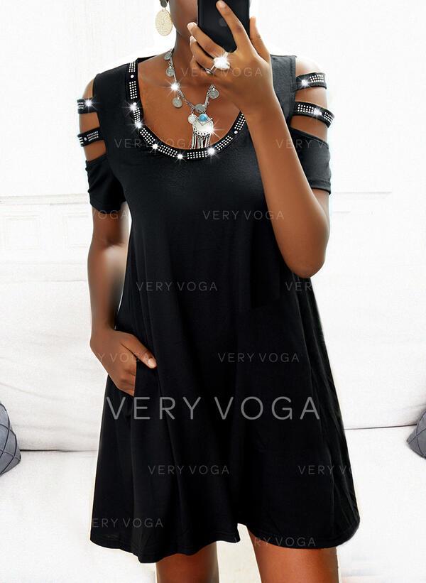 Jednolity Rękawy 1/2 cold ramion rękaw Suknie shift Nad kolana Mała czarna/Nieformalny Sukienki