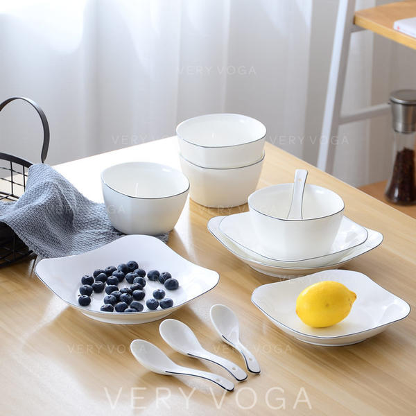 Simple Porcelain Dinnerware Sets (Set of 12)