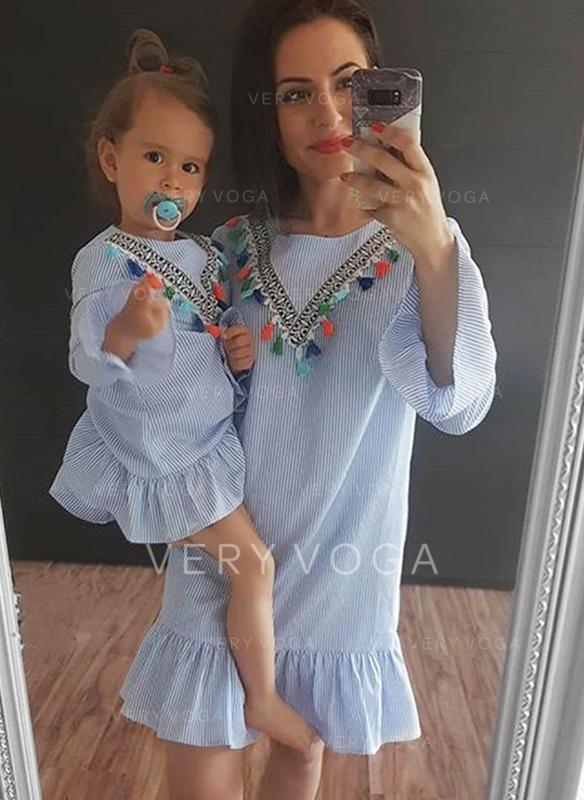Máma a já Pruhované Šaty