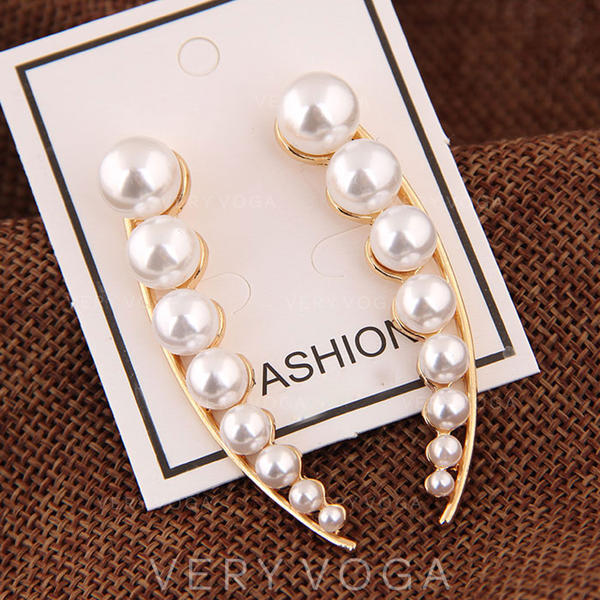 Exquisite Stylish Alloy Imitation Pearls Women's Earrings