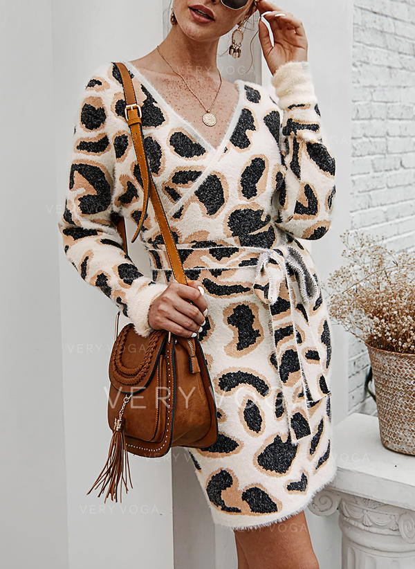Animal Print Chunky knit V neck Sweaters