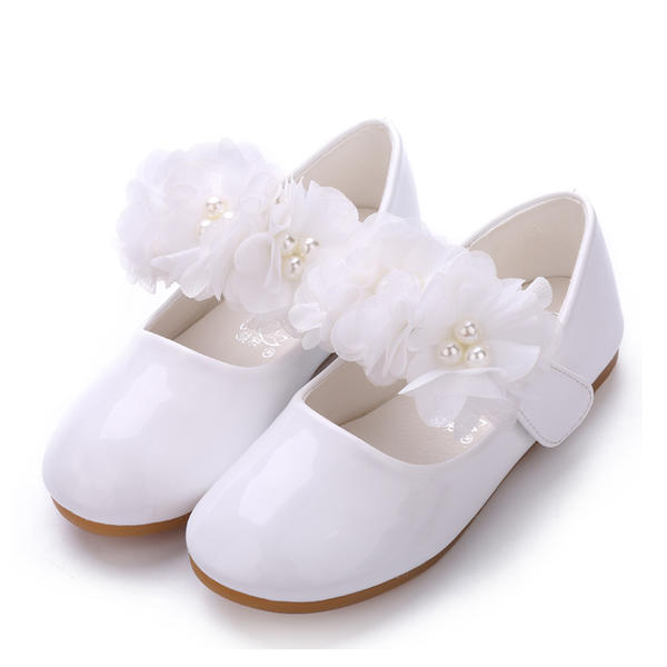 da530b3747e47 [US$ 23.99] Girl's Patent Leather Flat Heel Closed Toe Flats Flower Girl  Shoes With Imitation Pearl Velcro Flower - VeryVoga