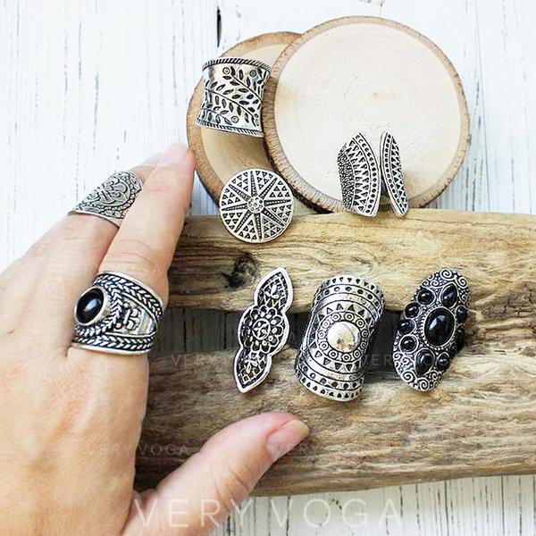 Egyedi Divatos Egzotikus Ötvözet Gyanta Női Gyűrűk (8-as készlet)