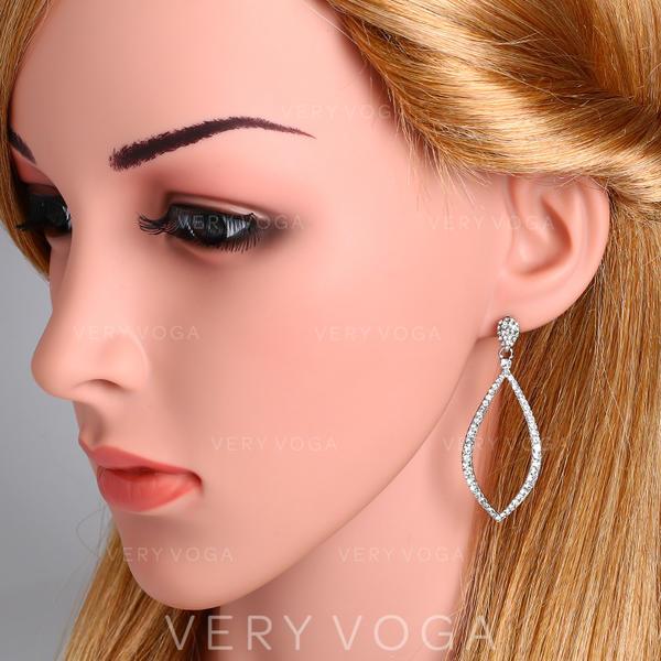 Unique Alloy Zircon With Zircon Women's Fashion Earrings (Sold in a single piece)