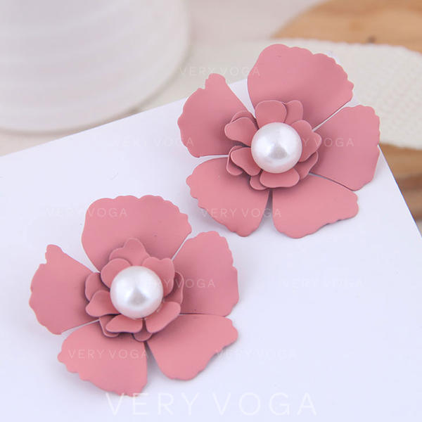 Beautiful Flower Shaped Alloy Imitation Pearls Women's Earrings