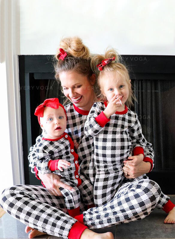 Καρό ύφασμα Τυπώνω Οικογένεια Εμφάνιση Χριστουγεννιάτικες πιτζάμες