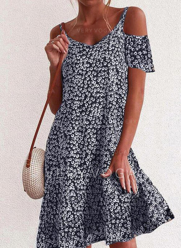 Print/Floral Short Sleeves/Cold Shoulder Sleeve Shift Knee Length Casual/Vacation Dresses