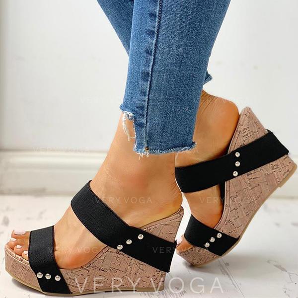 Vrouwen PU Wedge Heel Sandalen Wedges Peep Toe Slippers Hakken met Klinknagel schoenen
