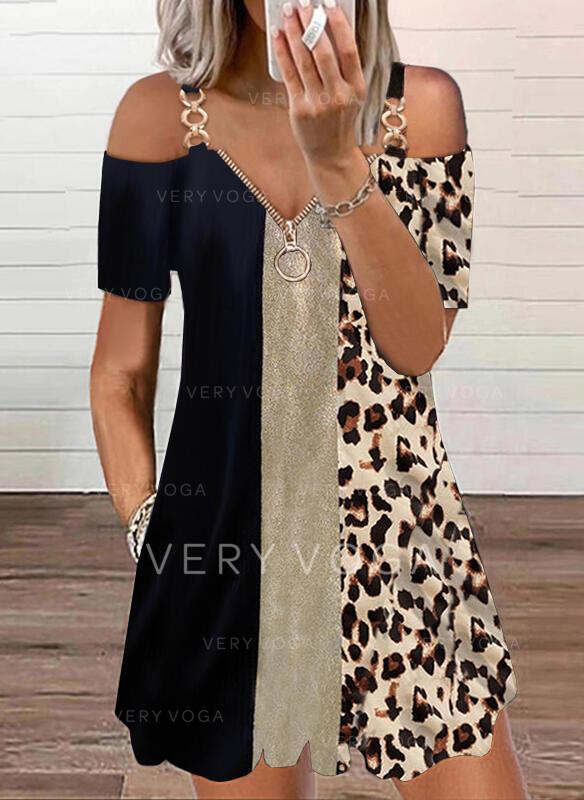 Renkli klişe/leopar Mâneci Scurte Soğuk omuz kılıfı Shift Elbiseleri Deasupra Genunchiului gündelik Tunică Elbiseler