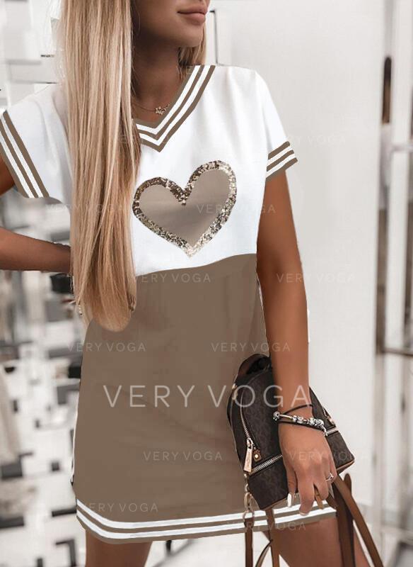 Nadrukowana/Cekiny/Wyszczuplająca/W paski/Serce Krótkie rękawy Koktajlowa Nad kolana Casual T-shirt Sukienki