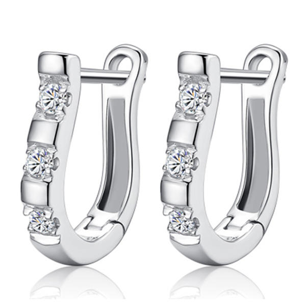 Chic Alloy Rhinestones Ladies' Earrings