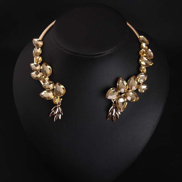 Moda Aleación Diamantes de imitación con Rhinestone Señoras' Collar de la manera